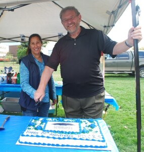 tanya-paul-cutting-cake-resized-for-web